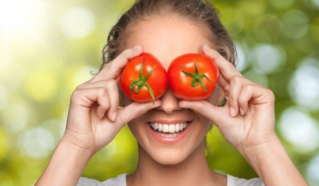 Il Pomodoro: ricco di antiossidanti ma povero di calorie